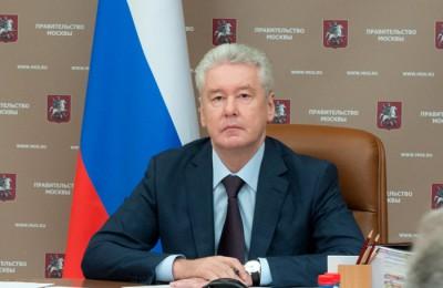 Сергей Собянин заявил, что в зоне платной парковки шлагбаумы во дворах установят по упрощенной схеме