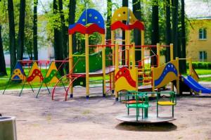Муниципальные депутаты в августе проведут традиционные проверки детских площадок на соответствие их нормам безопасности