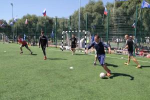 Участники играли в мини-футбол