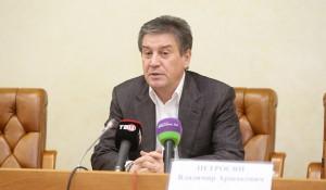 Глава Департамента труда и социальной защиты населения Москвы Владимир Петросян