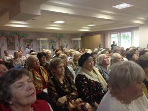 В районе Орехово-Борисово Южное для пенсионеров организуют курсы компьютерной грамотности