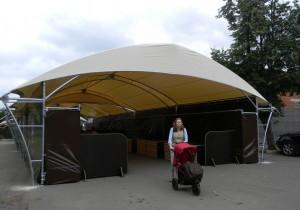 Новый шатер для ярмарки выходного дня