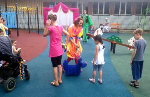 Развлекательная программа на детской площадке
