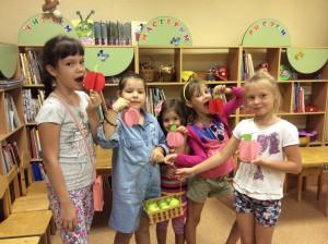 Дети на празднике Яблочного спаса