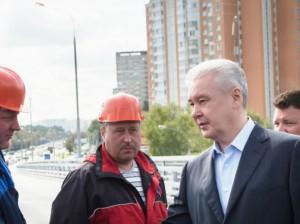 Мэр Москвы Сергей Собянин открыл движение по новой эстакаде на Липецкой улице