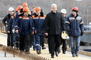 Трасса от Мосфильмовской до ул. Генерала Дорохова станет дублером двух вылетных магистралей, заявил мэр Москвы Сергей Собянин