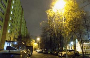 Восстановленное освещение во дворе дома 39, корпус 1 на улице Ясеневой