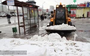 Снеговые насыпи убрали в районе