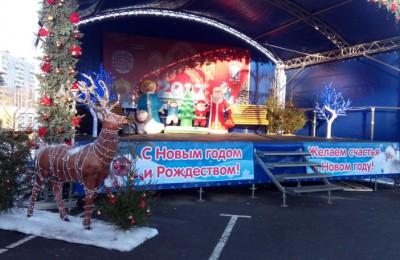 На рождественской ярмарке в районе