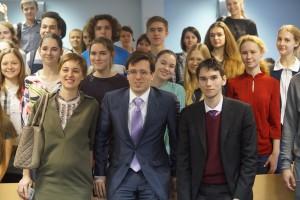 Ученики на встрече с представителями Совета молодых дипломатов