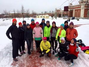 Участники тренировок по бегу