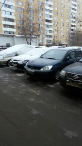 Территорию двора по адрсу: улица Ясеневая, дом 39, корпус 1, очистили от снега