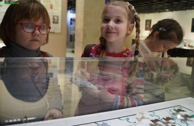 Ученики школы №949 в Дарвиновском музее