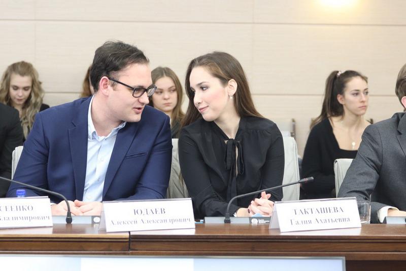 Алексей Юдаев на заседании Молодежной палаты при Московской городской Думе