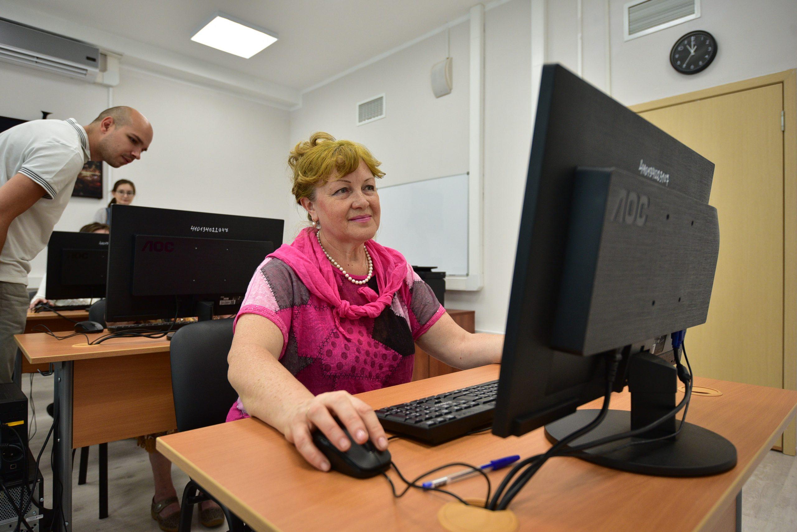 Специалисты Центра соцобслуживания «Орехово» проведут онлайн-марафон красоты. Фото: Пелагия Замятина, «Вечерняя Москва»
